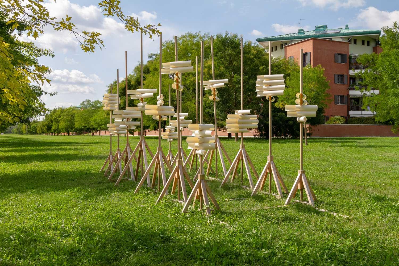 rappresentazione artistica in legno